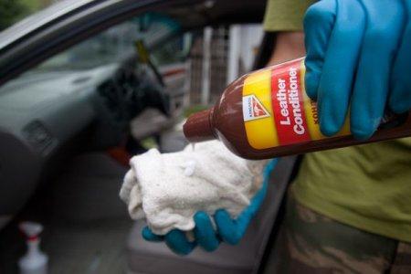 Кондиціонер для шкіри автомобіля: що важливо знати автолюбителям?